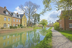 Ryford bridge in Spring on the Stroudwater, Thames and Severn Canal Stock Photos