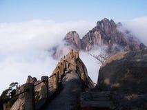 ryggradcarphuangshan berg s Royaltyfri Bild