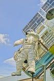 Rymdfärja och astronaut royaltyfria foton
