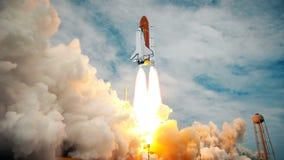 Rymdfärja som lanserar i ultrarapid Beståndsdelar av denna video som möbleras av NASA stock illustrationer