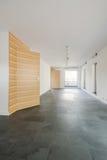 Rymlig modern korridor arkivbilder