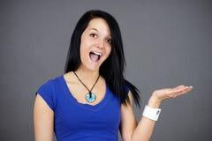 rymma något förvånad kvinna ung royaltyfri foto