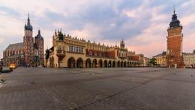Rynek Glowny - główny plac Krakow w wczesnym poranku Fotografia Royalty Free