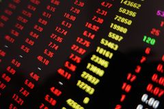 Rynek Papierów Wartościowych handlu ceny czerwieni ekran obrazy stock