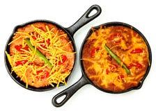 Rynienki Refried fasole, Gorący pieprze, Czereśniowi pomidory obrazy royalty free
