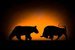 Rynki walutowi: Niedźwiedź i byk Obraz Royalty Free