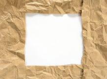 Rynkig sönderriven ram för kraft papper royaltyfri bild