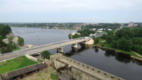 Rysk bourderbridge i Narva, Estland arkivfoton