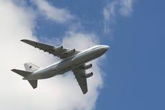 Rysk fluga för flygvapen An-124 Ruslan över röd fyrkant Royaltyfria Foton