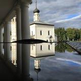 Rysk forntida kyrka i Suzdal Ryssland guld- cirkel Arkivbild