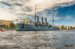 Rysk kryssaremorgonrodnad, för närvarande ett museumskepp, St Petersburg, Arkivfoto