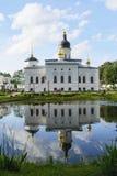 Rysk ortodox kyrka av den Spasso-Elizarovsky kloster Royaltyfri Fotografi