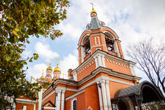 Rysk ortodox kyrka i Moscow arkivfoton