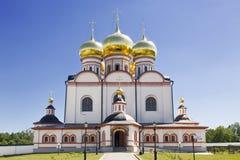 Rysk ortodoxkyrka Iversky kloster i Valdai Royaltyfri Fotografi