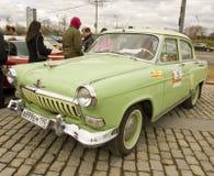 Rysk retro bil Volga Arkivbilder