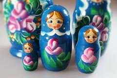 Ryska dockor - matrioshka Fotografering för Bildbyråer
