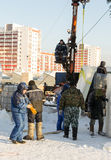 Ryska isskulpturer som installerar kvarter Royaltyfri Fotografi
