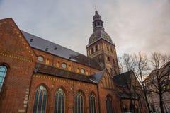 Ryska katedra na kopuła kwadracie przy dziejowym centrum w starym miasteczku Ryski, Latvia zdjęcie royalty free