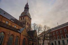 Ryska katedra na kopuła kwadracie przy dziejowym centrum w starym miasteczku Ryski, Latvia zdjęcia royalty free