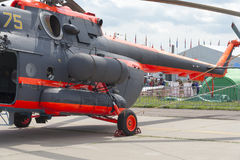 Ryska militära helikoptrar på den internationella utställningen Arkivbild