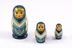 Ryska traditionella bygga bo dockor - matryoshka Arkivbilder