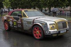 Ryski, Latvia, Lipiec - 01, 2017: samochody od Gumball 3000 biegowy Ryskiego Mykonos są na pokazie Ryski gospodarz Gumball 3000 p Zdjęcia Stock