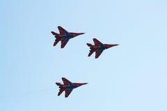 Ryskt aerobatic lag Strizhi på MiG-29 Arkivbilder