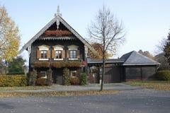 Ryskt trähus, Potsdam, Tyskland Royaltyfria Foton