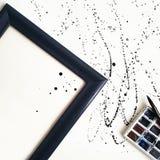 Rysować krople z ramowej czarny i biały fotografii Mieszkanie nieatutowy Zdjęcie Royalty Free