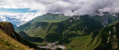 ryss för ossetia för berg för alaniacaucasus federation nordlig Arkivfoton