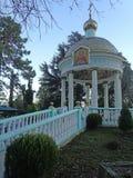 Rysskyrka, tempel för helig Treenighet i Adler Arkivfoto
