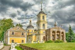 Rysskyrkan i den forntida Ryssland Arkivfoto