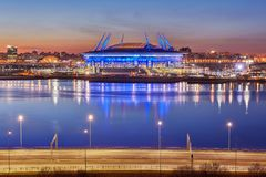 Ryssland 2018 FIFA världscupstadion i St Petersburg, natt Arkivfoton
