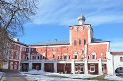 Ryssland Inget tempel av Kreml i Vologda i tidig vår royaltyfri foto