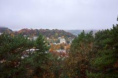Ryssland Kislovodsk En sikt av staden från den monteringsMaloe sadeln Royaltyfri Bild