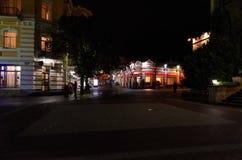 Ryssland Kislovodsk Natt på den Kurortnoy boulevarden i Kislovodsk Oktober 10, 2016 Arkivfoton