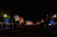 Ryssland Kislovodsk Natt på den Kurortnoy boulevarden i Kislovodsk Oktober 10, 2016 Royaltyfria Bilder