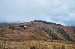 Ryssland Kislovodsk Natur överst av den lilla sadeln för berg Arkivbilder