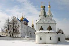 Ryssland kremlin ryazan Kyrka av den heliga anden i Ryazanen kremlin fotografering för bildbyråer