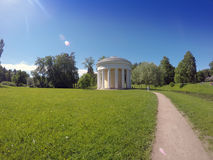 Ryssland Pavlovsk Århundrade Pavilion18 i parkera arkivbilder