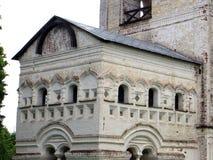 Ryssland rostov Rostovsky Borisoglebsky kloster Detaljerad sikt av klockatornet Royaltyfria Bilder