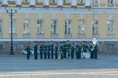 Ryssland St Petersburg, Augusti 10, 2017 - mässingsmusikband av polisen Arkivbild