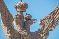 Ryssland St Petersburg, 12 Juni 2017 - imperialistisk örn nära Royaltyfria Bilder
