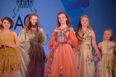 Ryssland St Petersburg 01,06,2019 medmänsklig festival XVII av barns kreativitet royaltyfri bild