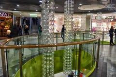 Ryssland St Petersburg, 09 29 Modern köpcentrum 2017 Royaltyfri Bild