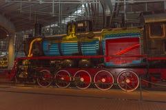 Ryssland St Petersburg, 15, November, 2017 - ångalokomotivet I Arkivfoton