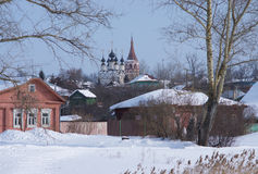 Ryssland Suzdal vintermorgon Arkivfoto