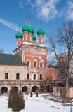Ryssland Vysokopetrovsky kloster i Moskva Royaltyfria Bilder