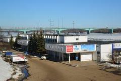 Ryssland Yaroslavl-mars 27 2016 byggnad av flodstationen i vinter Royaltyfria Bilder