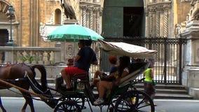 Rysujący fracht z turystami w Palermo, Sicily zbiory wideo